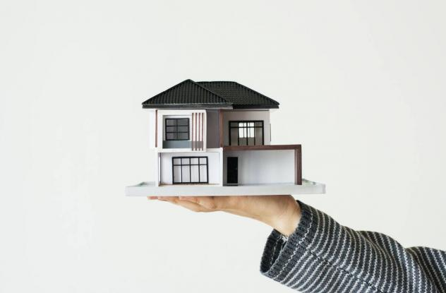 Buy or rent your next house